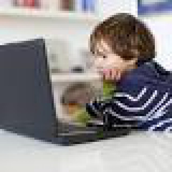 <a href=http://www.inferse.com/20802/google-targets-12-child-friendly-versions-youtube-search-chrome/ target=_blank >Google targets under 12, with child-friendly versions of YouTube, Search and ... - Inferse</a>